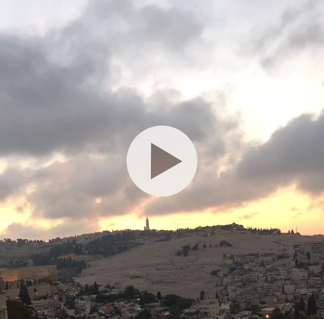 Screenshot sunrise over Mount of Olives