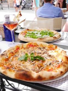 l'Oca Giuliva Seville pizza www.thesweetwanderlust.com